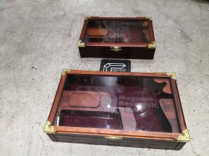 King Arms wooden case with glass ( Desert eagle)